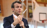 Antisémitisme : Emmanuel Macron promet des actes