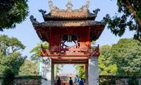 300 étudiants guides bénévoles pour présenter les sites de Hanoi