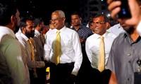 Législatives aux Maldives: l'ancien président fait un retour en force