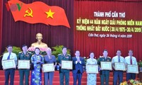 Nguyên Thi Kim Ngân au 44e anniversaire de la libération de Cân Tho