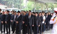 Les dirigeants de la Voix du Vietnam à la cérémonie d'hommage à Lê Duc Anh