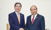 Nguyên Xuân Phuc reçoit le président du groupe de parlementaires d'amitié Vietnam-R.de Corée