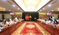 Le vice-Premier ministre Vu Duc Dam travaille à Hai Phòng