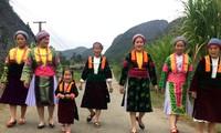 Les costumes des femmes Mông