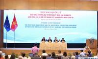 Conférence de presse sur la signature de l'EVFTA et de l'EVIPA
