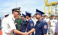 Les dirigeants de Dà Nang reçoivent les membres d'équipage du navire-école japonais Kojima