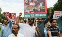 Le Pakistan limite ses liens diplomatiques avec l'Inde et suspend les échanges commerciaux
