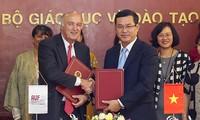 Signature d'un accord-cadre de partenariat entre l'AUF et le ministère de l'Éducation et de la Formation du Vietnam