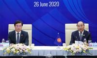 Nguyên Xuân Phuc au Dialogue avec les jeunes de l'ASEAN