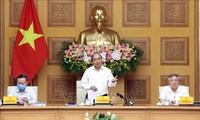 Nguyên Xuân Phuc à une réunion pour la préparation du 13e Congrès national du Parti