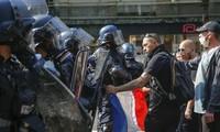 """France: le retour des """"gilets jaunes"""""""