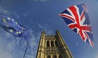 """Négociations post-Brexit: von der Leyen et Johnson pointent """"d'importantes divergences"""""""