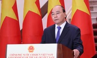 Nguyên Xuân Phuc à l'ouverture en ligne de la 17e Foire Chine-ASEAN