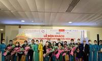 Les compagnies d'aviation vietnamiennes accueillent leurs premiers passagers de 2021