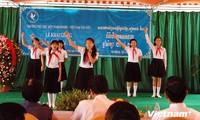 Học sinh Việt kiều Campuchia khai giảng năm học mới
