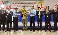 Việt Nam đón khách quốc tế đầu tiên được cấp thị thực điện tử Việt Nam