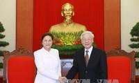 Tổng Bí thư: Việt Nam ủng hộ mạnh mẽ công cuộc đổi mới của Lào