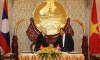 Trưởng ban Đối ngoại Trung ương Hoàng Bình Quân: Tạo động lực thúc đẩy toàn diện quan hệ Việt Nam - Lào, Việt Nam - Campuchia