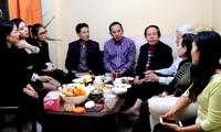 Hội Người Việt Nam tại Ba Lan chúc Tết các thành viên có nhiều đóng góp
