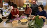 Tết giản dị nhưng ấm cúng trong gia đình người Việt ở Mỹ
