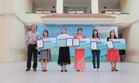 Trao giải Cuộc thi vẽ tranh Thành phố xanh tương lai
