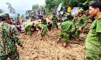 Cộng đồng quốc tế hỗ trợ người dân miền Trung khắc phục hậu quả mưa lũ