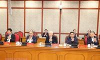Tổng Bí thư, Chủ tịch nước Nguyễn Phú Trọng chủ trì phiên họp đầu tiên của Bộ Chính trị, ban bí thư khóa XIII