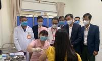 Vaccine COVID-19 thứ hai của Việt Nam bắt đầu tiêm thử nghiệm