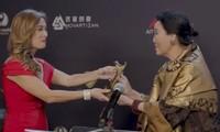 """""""Tứ đại mỹ nhân Sài Gòn"""" Kiều Chinh nhận giải thưởng Thành tựu trọn đời tại Mỹ ở tuổi 84"""