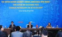 Quốc tế đánh giá cao việc Việt Nam tổ chức phiên họp về bom mìn sau chiến tranh