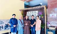 Vietnam Centre triển lãm ảnh Giác hoàng xuống núi nhân Đại lễ Phật đản