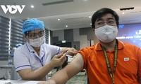 Thành phố Hồ Chí Minh bắt đầu chiến dịch tiêm 786.000 liều vaccine Covid-19