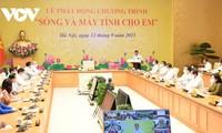 """Bộ trưởng Nguyễn Mạnh Hùng: """"Sóng và máy tính cho em"""" cũng là để xây dựng xã hội số"""