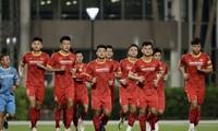 Vòng loại World Cup 2022: Đội tuyển Việt Nam có buổi tập đầu tiên tại UAE