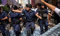 ผู้บริหารเขตปกครองพิเศษฮ่องกงเรียกร้องให้กลุ่มผู้ชุมนุมยุติการชุมนุมประท้วง