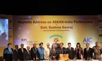 พิธีชุมนุมรำลึกครบรอบ 25ปีความสัมพันธ์คู่เจรจาอินเดีย-อาเซียน