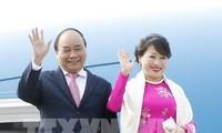 นายกรัฐมนตรีเหงวียนซวนฟุกเดินทางถึงกรุงนิวเดลีเพื่อเข้าร่วมการประชุมอาเซียน-อินเดีย