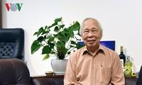 """นักข่าวฟานกวางกับหนังสือเรื่อง """"ฟานกวาง – 90ปีของชีวิตและ70ปีของการเป็นนักข่าว"""""""