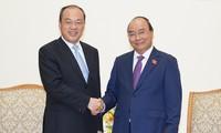นายกรัฐมนตรีเหงวียนซวนฟุกให้การต้อนรับผู้ว่าการมณฑลหยุนหนาน ประเทศจีน