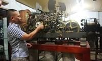 ผู้ที่สะสมนาฬิกาโบสถ์ยุโรปโบราณมากที่สุดในเวียดนาม