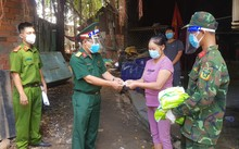 Soldiers give HCMC residents greater confidence in pandemic fight