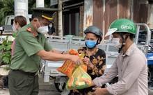 """""""Những chuyến xe nghĩa tình"""" hỗ trợ và đồng hành cùng Đồng Nai phòng chống dịch bệnh"""