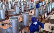Businesses adopt flexible measures to respond to pandemic
