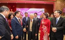 Neujahrsfest: KPV-Generalsekretär Nguyen Phu Trong beglückwünscht die Parteileitung der Stadt Hanoi