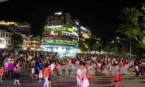 คณะกรรมการบริหารถนนโบราณ 36 สายกรุงฮานอยจัดกิจกรรมต่างๆเพื่อฉลองวันงานสำคัญๆ