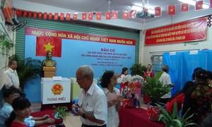 Para diaspora, mahasiswa dan sarjana Tiongkok percaya pada sukses-nya pemilihan di Vietnam