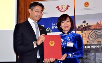 Germany's former Deputy Prime Minister appointed Vietnam's Honorary Consul to Switzerland