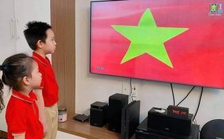 Ikhtisar Surat Beberapa Pendengar dan Perkenalan Sepintas tentang Tahun Ajaran Baru di Vietnam