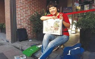 Architektin Tran Thi Thanh Thuy, die die Schönheit Hanois in Skizzen bewahrt