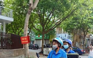 Relawan Kemeja Biru di Garis Depan Melawan Covid-19